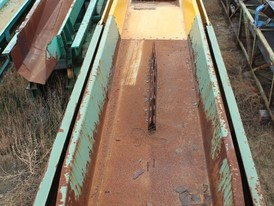 Edem 32 in. x 47 ft. Vibrating Conveyor