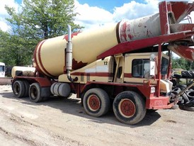 Mack 8 x 6 Cement Mixer Truck