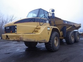 Caterpillar 735 Rock Truck