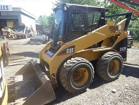 Caterpillar 242B Skid Steer