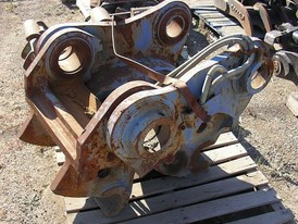 Caterpillar 320 Excavator Quick Coupler