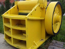 IBAG 39 in x 14 in Jaw Crusher