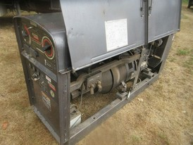 Lincoln Electric SAE 400 Diesel Welder