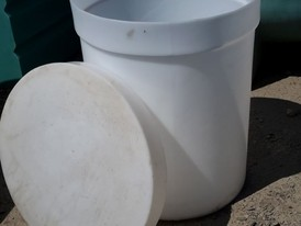 Vertical RK-80 Polyethylene Barrel Tank