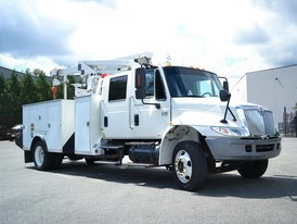 International 4300 DT466 Crane Truck