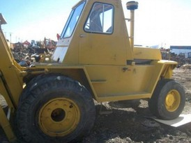 Caterpillar V180HR Rough Terrain Forklift
