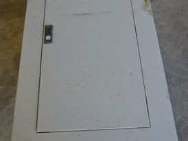 Cutler Hammer 225 Amp Distribution Lighting Panel