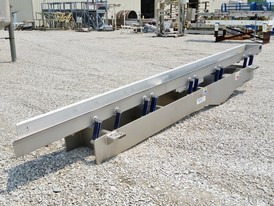 Key Technology 14 in x 18.5 ft Vibrating Conveyor