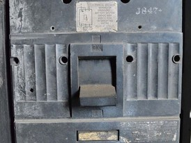 General Electric 600 Amp Breaker