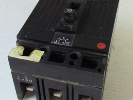 General Electric 3 Pole 30 Amp Breaker