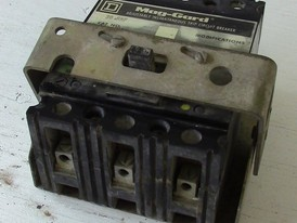 Square D 3 Pole 30 Amp Breaker