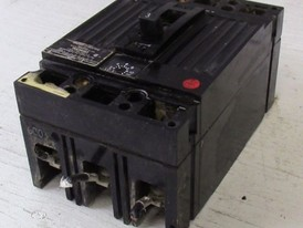 General Electric 3 Pole 3 Amp Breaker