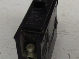 Cutler Hammer 1 Pole 15 Amp Push-in Breaker