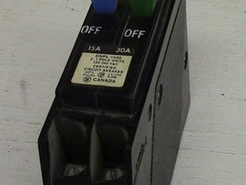Cutler Hammer 1 Pole Tandem 15 Amp/30 Amp Push-in Breaker