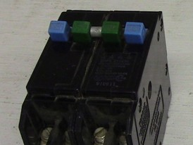 Cutler Hammer 2 Pole 30A With Two 1 Pole 15A Push-in Breaker