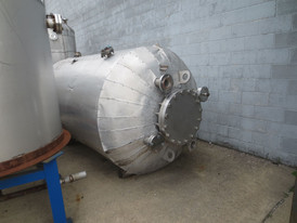 1500 Gallon Stainless Steel Pressure Tank