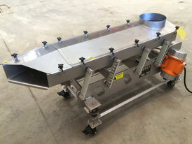 Meyer VFII-18-6x6 SS Vibrating Feeder
