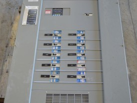 Cutler Hammer 600 Amp Distribution Panel