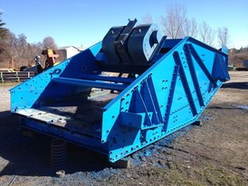 Conn-Weld 8 x 20 Banana Style Vibrating Screen