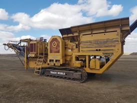 CEC 26 x 42 Track Mobile Jaw Crusher