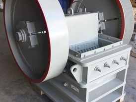 Clemro 9 in x 24 in Jaw Crusher