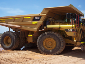2005 CAT 773E Rock Trucks