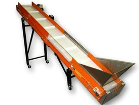 Eriez 18 in X 11.6 ft. Inclined Portable Belt Conveyor