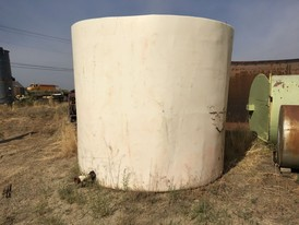 Vertical 5,000 Gallon Polyethylene Tank