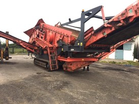 Terex-Finlay 883 Screener