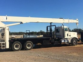 2001 National 9103A Boom Truck