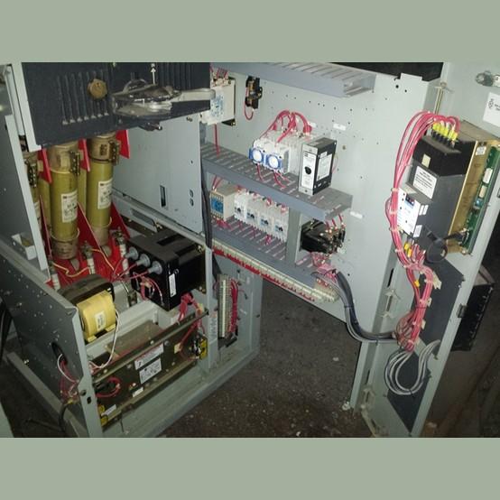 Cutler hammer ampguard medium voltage motor control for for Cutler hammer motor control center