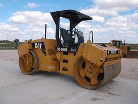 2007 Caterpillar CB-564D Packer