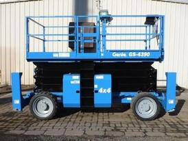 2016 Genie GS4390RT Scissor Lift