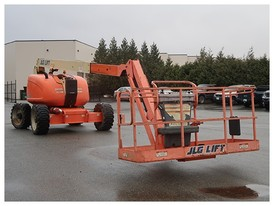 JLG Telescopic Boom Lift