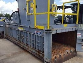 2011 Max Pak Full Eject Baler/Feed Conveyor