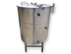 115 Gallon Stainless Steel Sanitary Tank