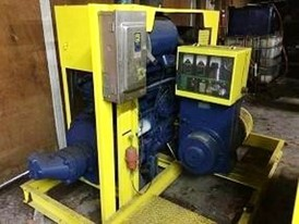 300 HP Williams Dual Shaft Shredder