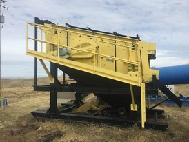 Allis-Chalmers 6 ft x 15 ft 2 Deck Incline Screen