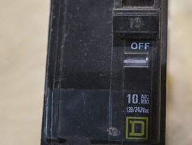 Square D 2 Pole 15 Amp Breaker