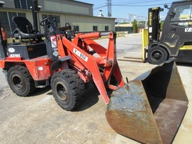 Kubota R320-S Wheel Loader