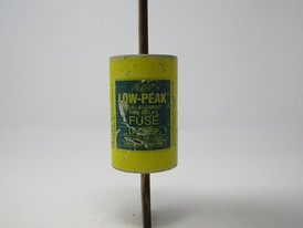 BUSS LOW-PEAK DUAL-ELEMENT TIME DELAY 300 AMP FUSE