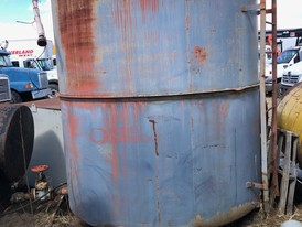 3,000 Gallon Steel Vertical Tank