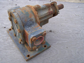 Used Roper Positive Displacement Pump. 1 in. Figure 1K 10.  Type 15