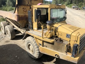 CAT D250B Articulated Dump Truck