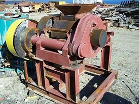 Cedarapids 24 inch X 16 inch roll crusher.
