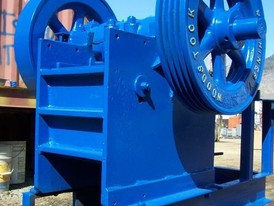 Like New Whitelaw Jaw Crusher. 5 in. x 12 in. Liners & Cheek Plates in Near New Condition.