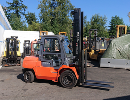 Toyota 11,000 lbs Forklift