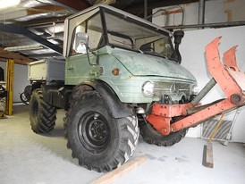 Mercedes-Benz Unimog Utility Vehicle