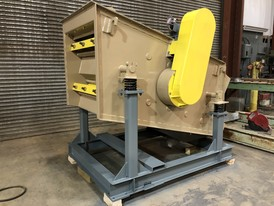 Midwestern 3 ft. x 5 ft. 2 Deck Incline Screen