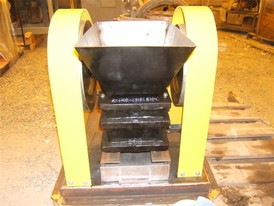 Atlas 3 ½ in. x 5 ½ in. Laboratory Jaw Crusher